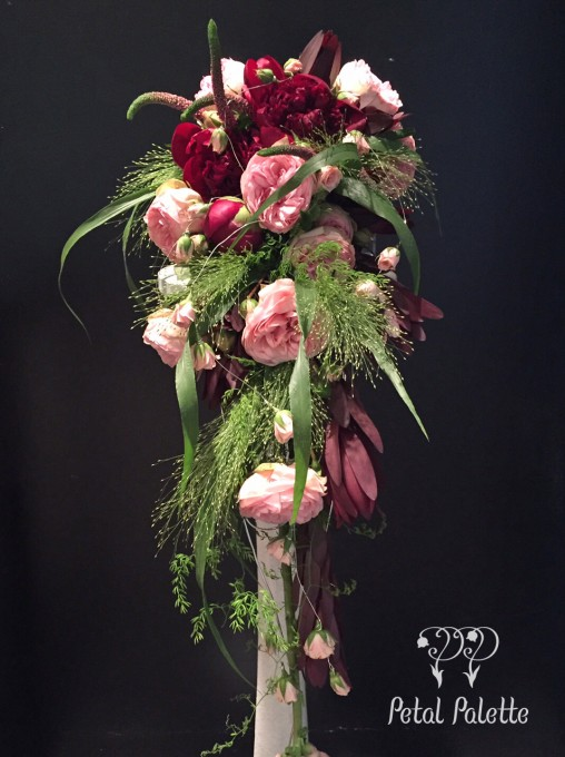 Hand-tied Cascade Bouquet Seoul Florist