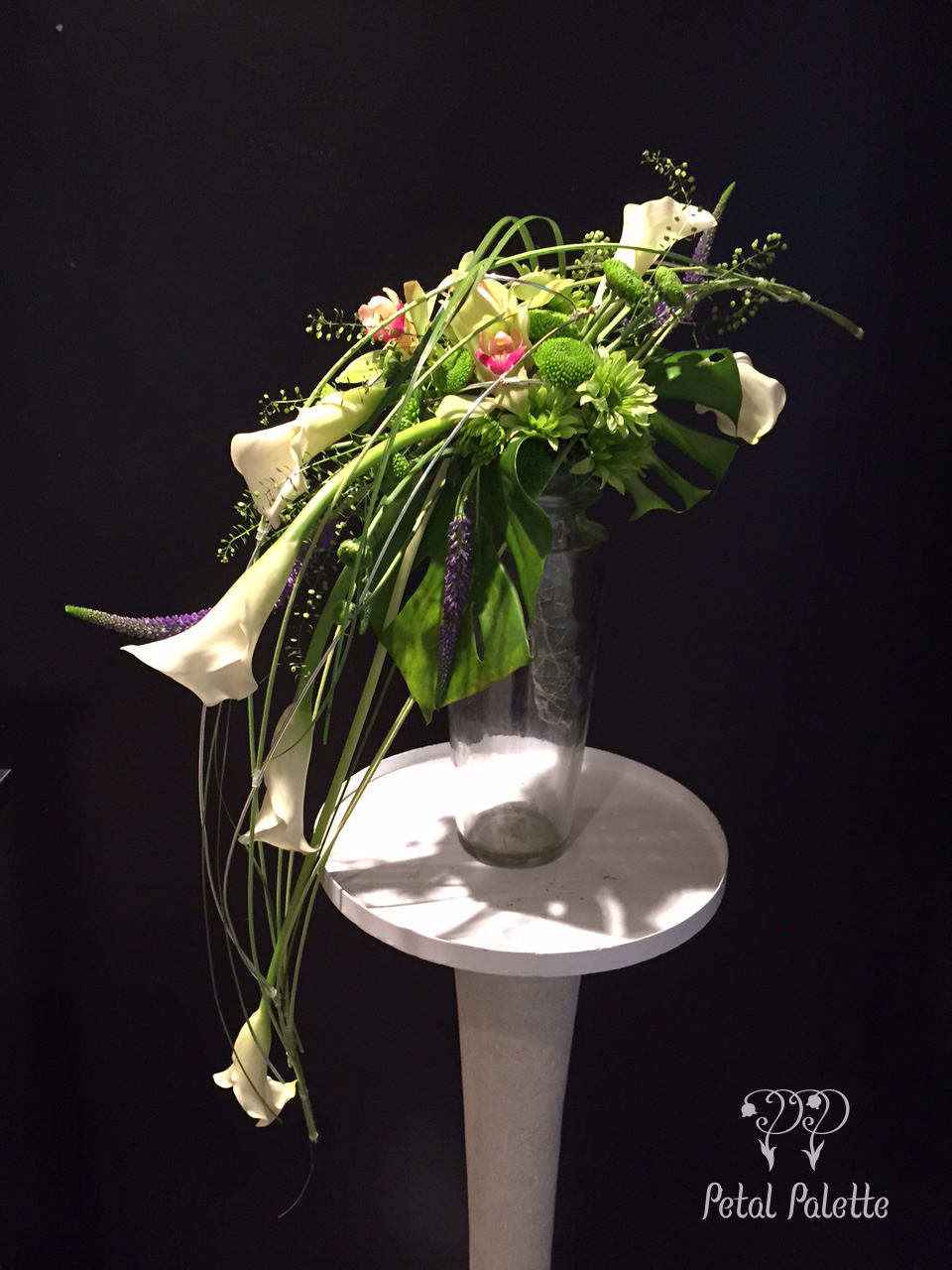 Crescent bouquet flower design Seoul florist