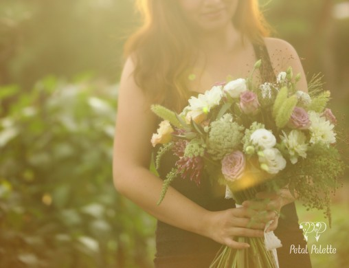 Natural hand-tied bouquet for proposal event Seoul florist