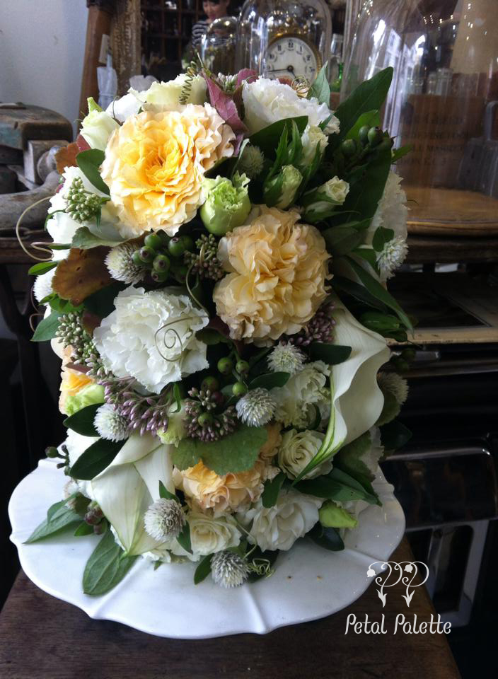 Totem pole cake stand flower arrangement design seoul florist