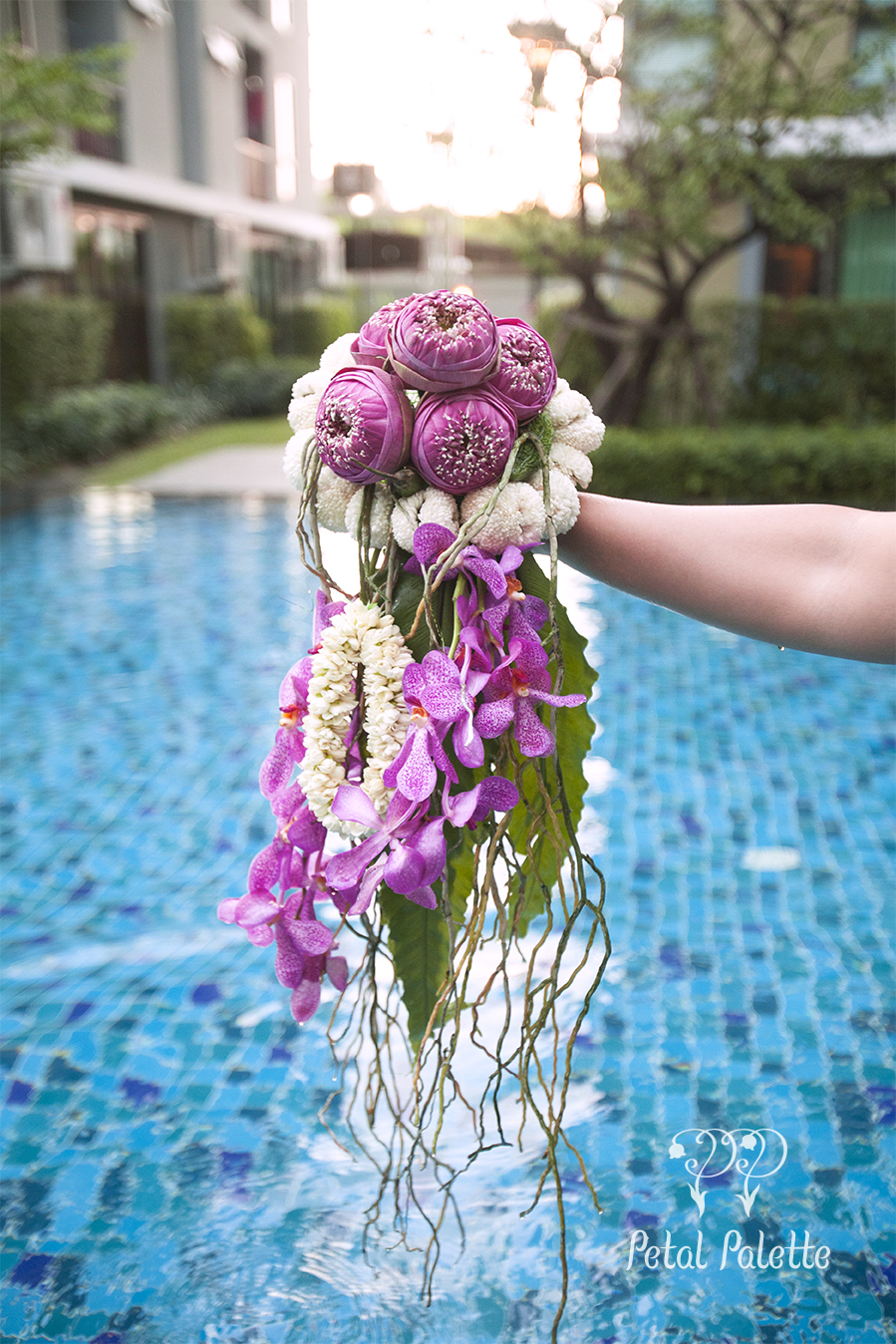 hand-tied tropical flower bouquet arrangement design seoul florist