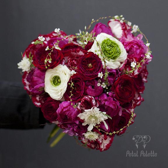 Heart Shape handtied Valentine's Day bouquet seoul florist