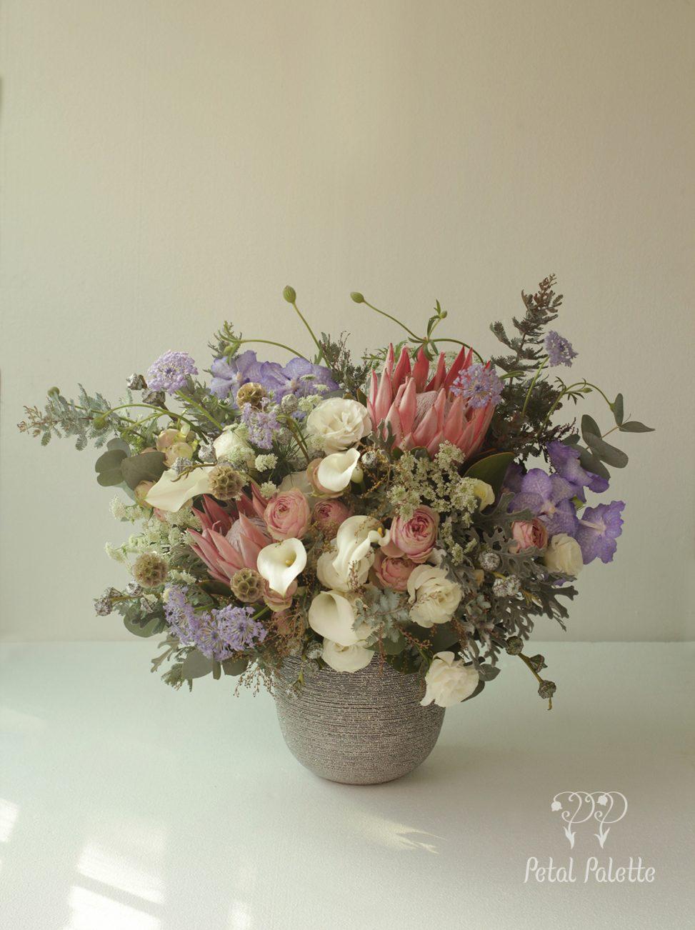 Luxury Birthday Floral Vase Arrangement Delivery Korea Florist