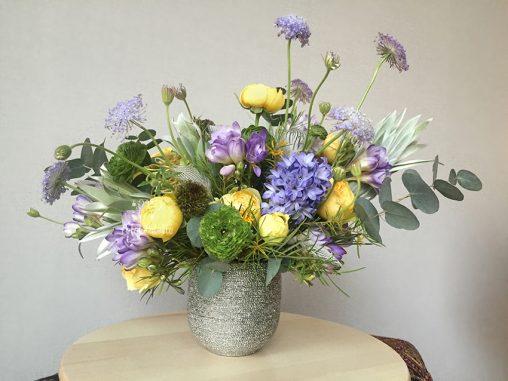 Birthday Gift Spring Vase Flower Arrangement Delivery Seoul Florist