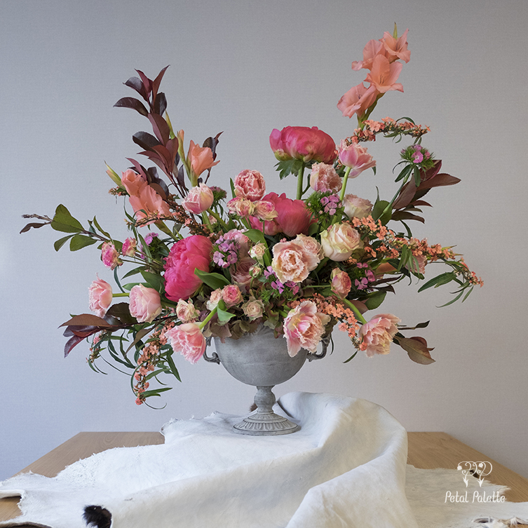 Luxury Garden Style Vase Arrangement Seoul Florist
