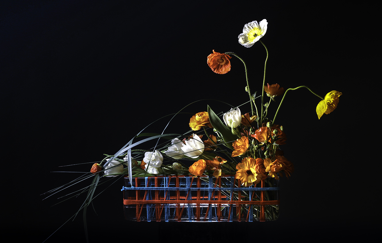 Wool Structure Vase Arrangement Seoul Florist Petal Palette