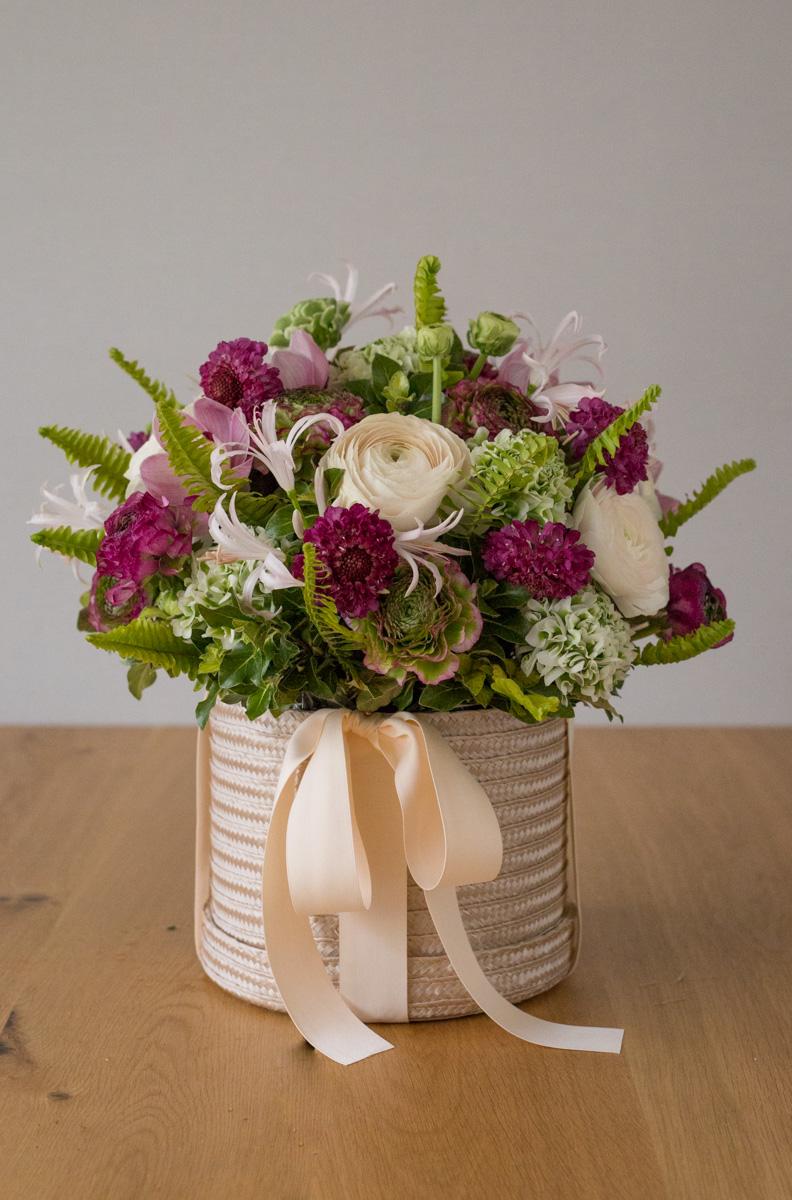 Ranunculus Valentine's Day Hatbox Arrangement Seoul Florist